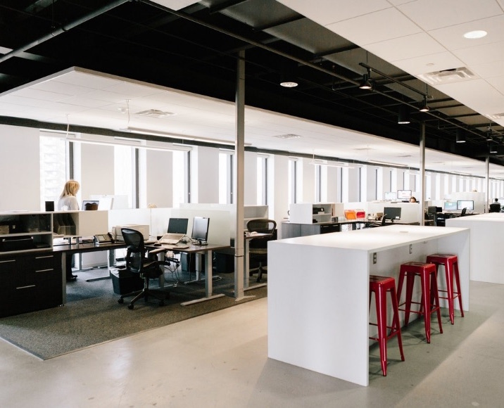"""""""MIDTOWN LOFT OFFICE – Open Layout & Flexible Use – Great Natural Light - Commercial Lease"""""""